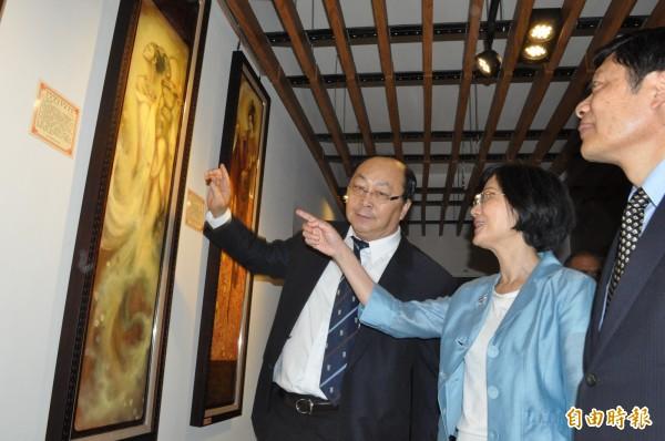 台北監獄前典獄長方子傑(左一)。(資料照,記者余瑞仁攝)