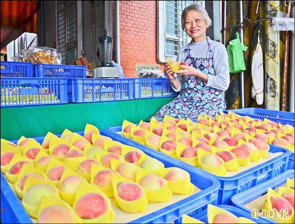拉拉山水蜜桃今年變貴了。(資料照,記者邱奕統攝)