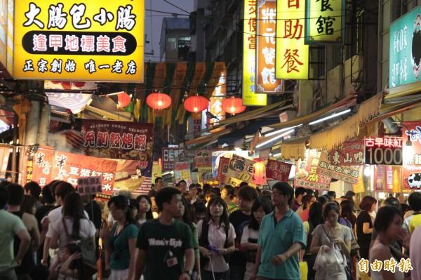 滿滿美食的夜市已經是台灣的重要特色,還有哪間是你沒去過的呢?(資料照,記者詹朝陽攝)