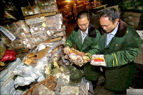 廣東深圳四月查扣逾六千噸問題肉品。(取自網路)