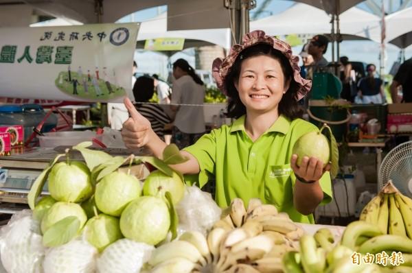 農產品QR-code溯源管理系統,將在下個月上路,消費者可以透過QR-code了解生產者及產品資料。(資料照,記陳文蟬攝)
