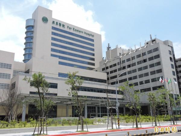 八仙水上樂園發生爆炸案後,有24名患者送到亞東醫院,其中1位出院、6位轉院。(記者賴筱桐攝)