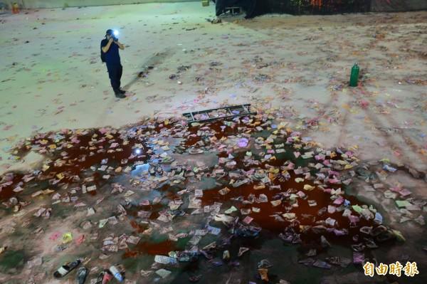 八仙樂園爆炸,起火點舞台區前方血流成河,令人不忍卒睹。(資料照,記者王藝菘攝)