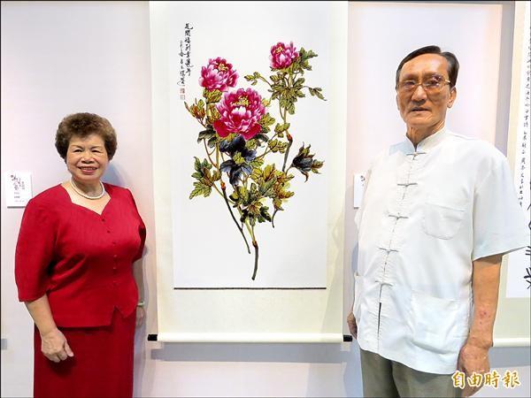 呂玉環老鄉長(左)最得意的事情是讓丈夫王正寬(右)成為自己的學生。(記者賴筱桐攝)