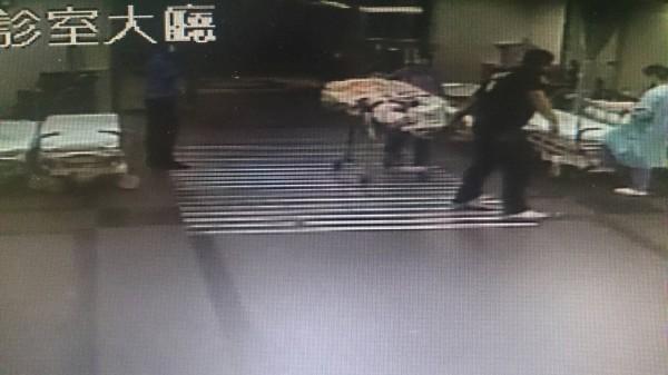 20歲重傷李珮筠全身90%受到二度燒燙傷,今日下午2時21分經家屬同意拔管宣告不治,成為此次爆炸意外中第一位罹難者。(記者蔡淑媛翻攝)