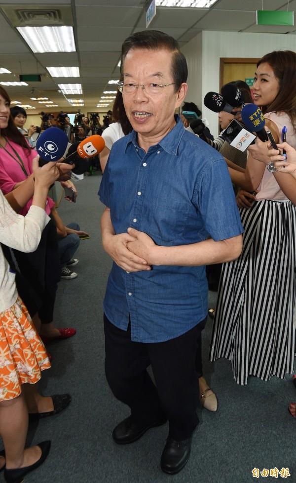 針對有媒體報導民進黨將推出「蔡賴配」投入2016總統大選,謝長廷今表示,「談這個太早了吧!」(記者羅沛德攝)
