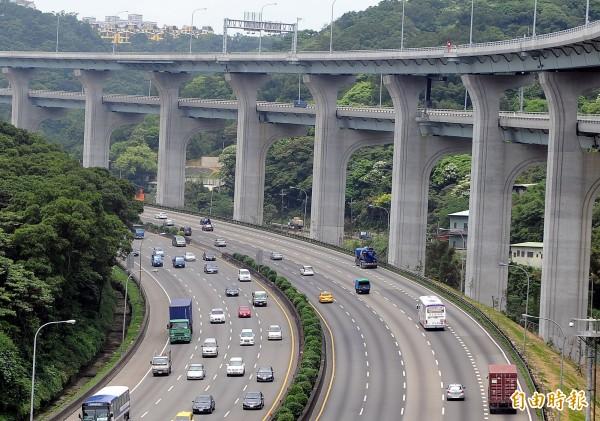 國道1號五股至楊梅段拓寬工程計畫,今年獲得國際道路協會「全球道路成就獎」(記者朱沛雄攝)