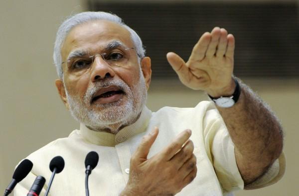 印度社會極度重男輕女,總理莫迪對此提倡以「自拍照」做為解決之道。(法新社)