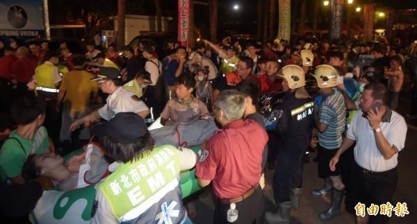 八仙塵爆意外造成近500人受傷,在傷者眾多、醫療負荷重的情況下,醫療資源分配遂成為不得不面對的問題。(資料照,記者王敏為攝)