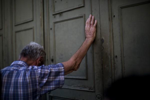 希臘財政部說,銀行將持續關閉至13日。(資料照,美聯社)