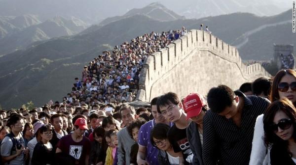 中國的萬里長城面臨著龐大人流和自然腐蝕的破壞,大約30%的中國明代長城已經逐漸消失。(CNN)