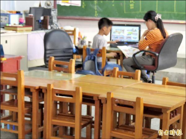 太平國小為全市國小學生數最少學校,甚至還出現一對一教學;雖然暫緩裁併,但如何吸引學生就讀,值得關注。(記者俞肇福攝)