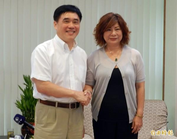 國民黨副主席郝龍斌(左)、 基隆市議長宋瑋莉(右)。(記者盧賢秀攝)