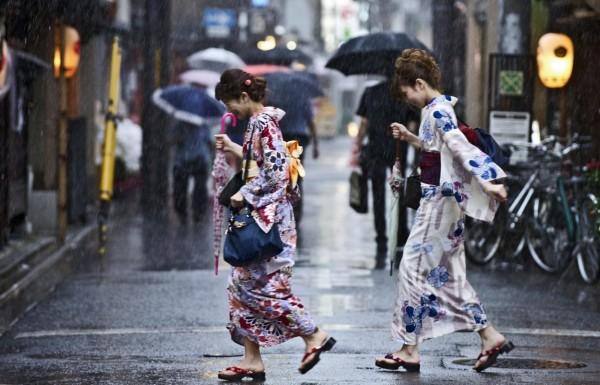 強烈颱風南卡帶來豪大雨。(歐新社)
