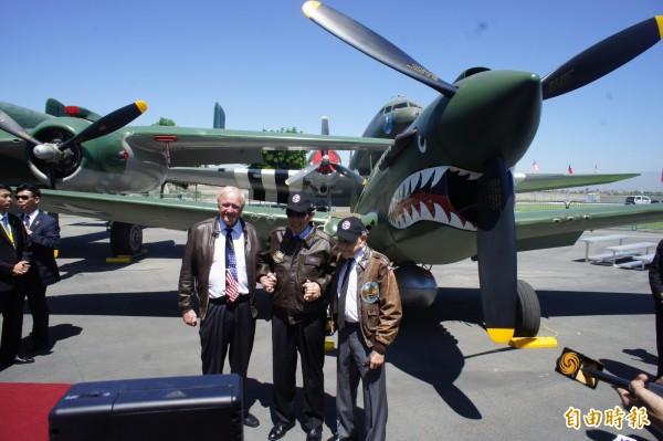 馬總統參觀洋克博物館,與高齡92歲的飛虎隊員相見歡(記者王寓中攝)