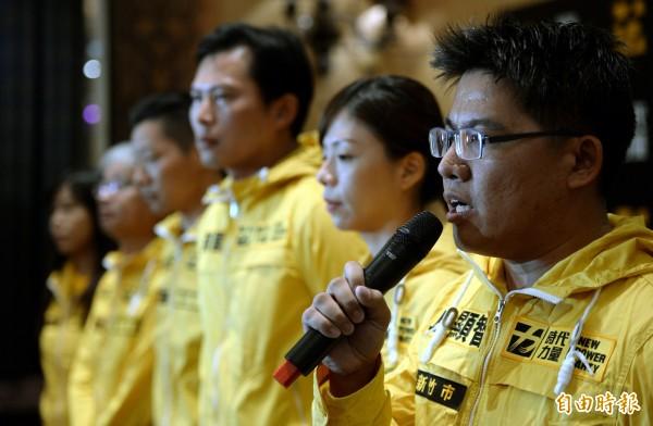 時代力量今天舉辦募款大會,新竹市立委參選人邱顯智希望打破立院藍綠密室協商的體制,真正公開透明。(記者林正堃攝)