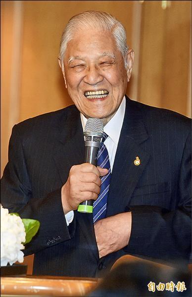 全球人口高齡化之台日論壇昨日舉行,前總統李登輝應邀出席演講。(記者簡榮豐攝)