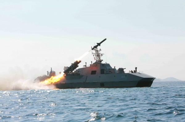 美國太平洋艦隊司令史威孚特今於南韓首爾龍山的美軍基地指出,北韓於今年5月公開的潛射彈道飛彈的影像,顯示北韓希望獲得SLBM的作戰能力。(法新社資料照)