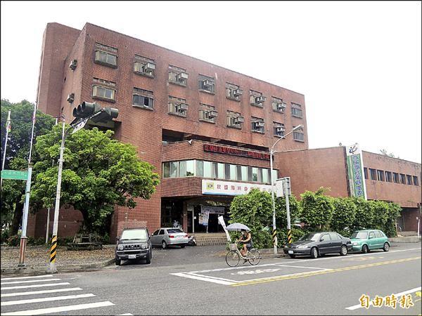 宜蘭市公所已委託不動產估價師,估算救國團地上物市值。(記者江志雄攝)