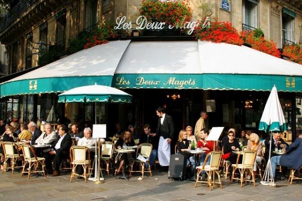 對現今的法國人來說,少有空能在午餐時間去咖啡廳用餐。(取自Pixabay)