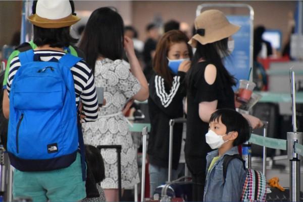 「台灣旅遊意向調查」顯示,有逾8成的台灣人出國旅遊會分享他們的旅遊經驗。(資料照,記者蘇福男攝)