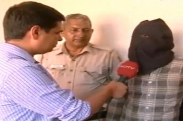 印度警方日前逮補一名連續變態殺人犯,嫌犯供稱7年來至少姦殺15童。(圖擷自《鏡報》)