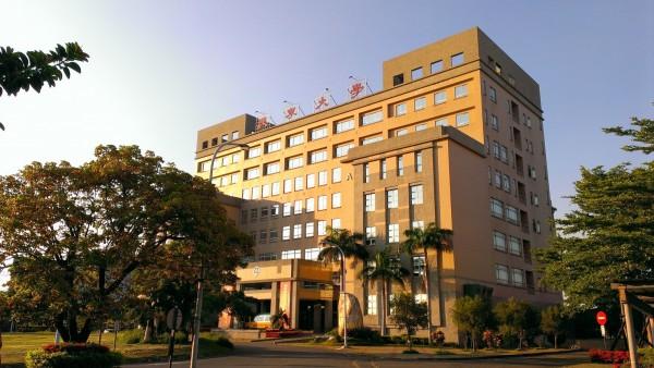 南市康寧大學與台北康寧護理暨專科學校將於8月1日正式合併。(記者洪瑞琴翻攝)