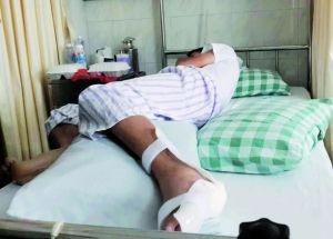 男子為了趕上班突發奇想,從2樓跳下,卻摔成左腳和腰椎骨折。(圖片取自《新民網》)