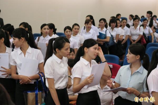 遠東航空今年第二梯次招募空姐,吸引2598人報名。(記者甘芝萁攝)