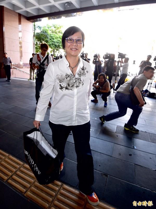 另針對台北市長選前,柯文哲對她提告的違反選罷法之意圖使人不當選的部分,羅也以被告身分接受庭訊,她訊後表示是本於立委職責監督政府,當作弊案處理,與選舉無關。(記者羅沛德攝)