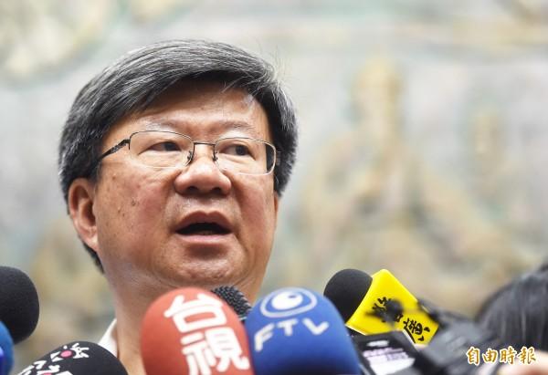 教育部長吳思華30日接受媒體記者採訪時表示,對課綱引起的爭議,會負完全的責任。(記者方賓照攝)
