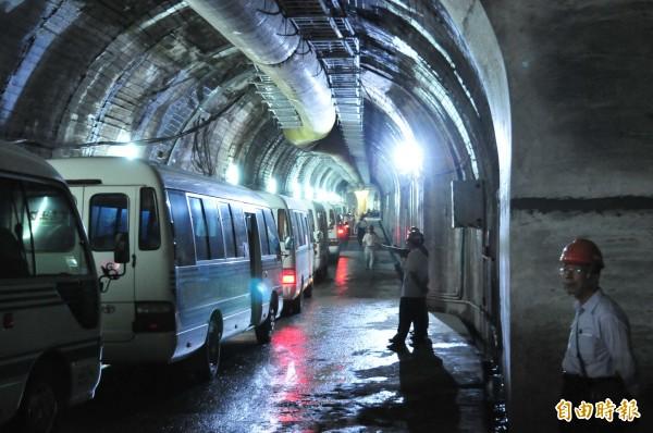 大甲溪電廠青山分廠是地下電廠,已重生啟用。圖為通往電廠的地下隧道。(記者李忠憲攝)
