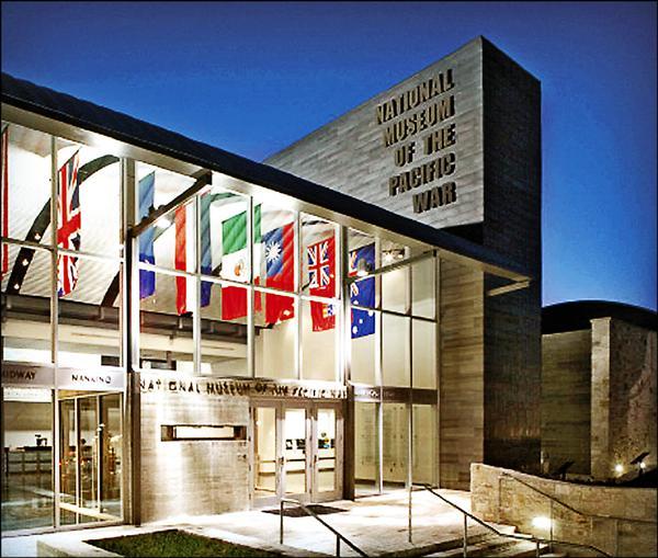 位於美國德州的「太平洋戰爭國家博物館」,四月接獲疑似中國外交人員騷擾電話,要求竄改展出的二次大戰文件。(取自網路)