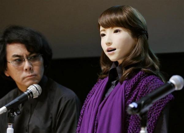 日本研發「艾利卡」人形機器人,外型和人類相去不遠。(取自日本產經新聞)