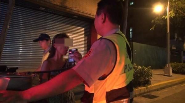 40歲陳女酒駕被逮。(記者劉慶侯翻攝)