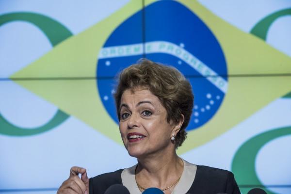 據最新民調,巴西總統羅塞夫(Dilma Vana Rousseff)的支持率再探底,目前僅剩8%。(彭博社)