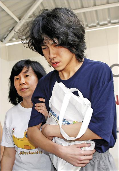 新加坡十六歲少年余澎杉(Amos Yee,路透資料照)