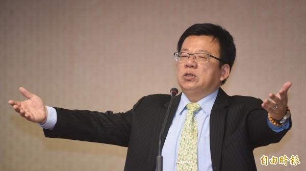 馬英九總統拍板,軍公教明年不調薪,對此,李俊俋質疑:「這事為何由總統決定?這不是總統職權!難道是總統『實質影響力』?」(資料照,記者劉信德攝)