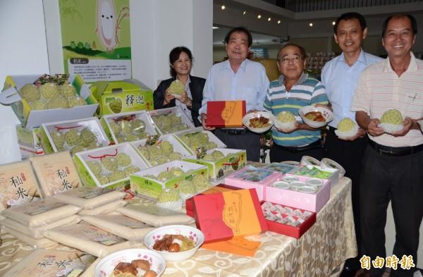 挺過蘇迪勒風災,台南市歸仁釋迦節週六登場。(記者吳俊鋒攝)