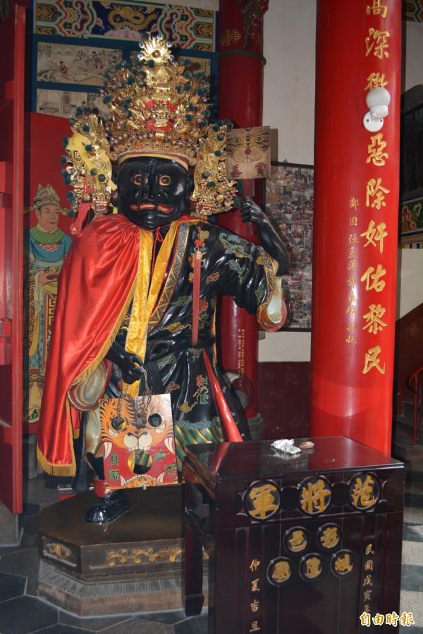 彰化市城隍廟的神明「范將軍」專門懲奸鋤惡。(記者湯世名攝)