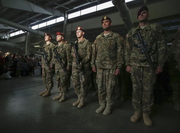 美國第82空降師日前在訓練期間發生雷擊意外,部隊在進行戶外訓練時突然遭受雷擊,造成18名士兵輕重傷,士兵緊急送醫後並無生命危險。圖為第82空降師士兵,與本新聞無關。(路透)