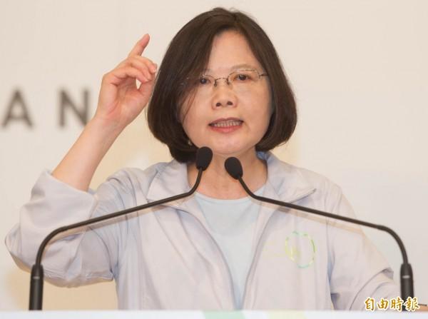 民進黨總統參選人蔡英文今天表示,團結台灣是領導人的責任,如果她當選總統,她要打造一個沒有人需要為自己的認同感到自責的國家,也沒有人應該強迫別人為自己的認同道歉。(資料照,記者王俊忠攝)