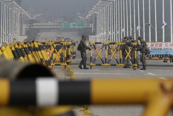 南北韓雙方情勢緊張。(美聯社)