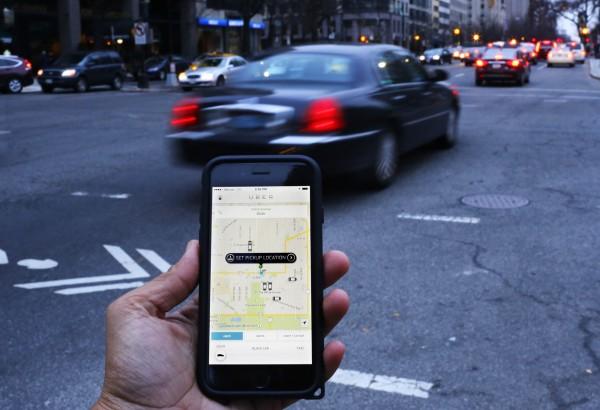 Uber的搭乘安全在全世界都備受質疑,去年印度便發生一起女大生睡著被載到偏避地區性侵的案件,而美國、法國、英國也曾發生多過起Uber性侵案或相關糾紛。(法新社)