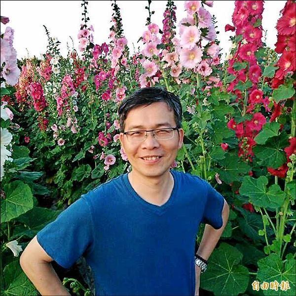 彰化縣員林農工主任李明昭(出線,廿六日交接,成為國立新竹高中校長。(記者洪美秀攝)
