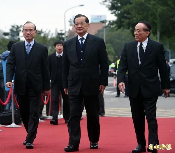 前副總統、國民黨榮譽主席連戰(中)。(資料照,記者王敏為攝)