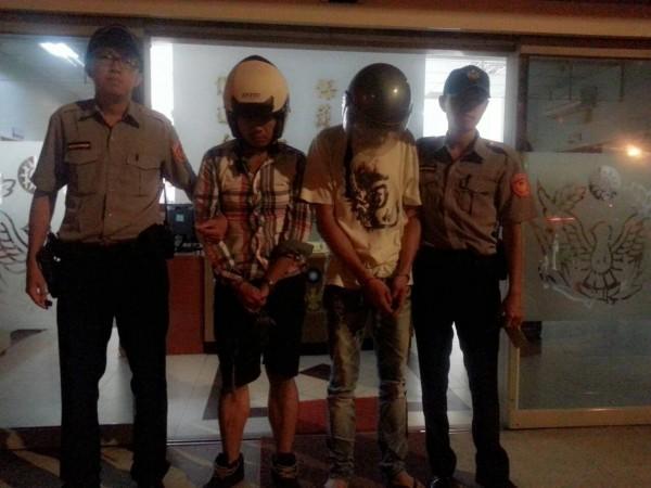 訊後,警方依毒品罪嫌將劉男及蘇男移送法辦。(記者姜翔翻攝)