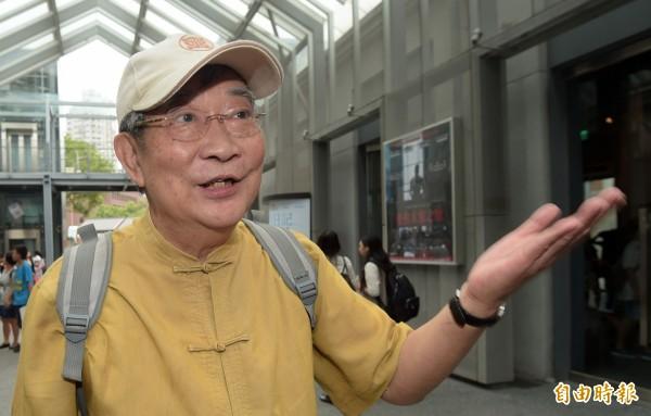 世新大學教授王曉波29日對於國民黨前榮譽主席連戰前往中國參加閱兵一事表達看法。(記者王敏為攝)