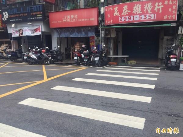 黃男在馬路上當街射殺,圖為現場空景。(記者曾健銘攝)