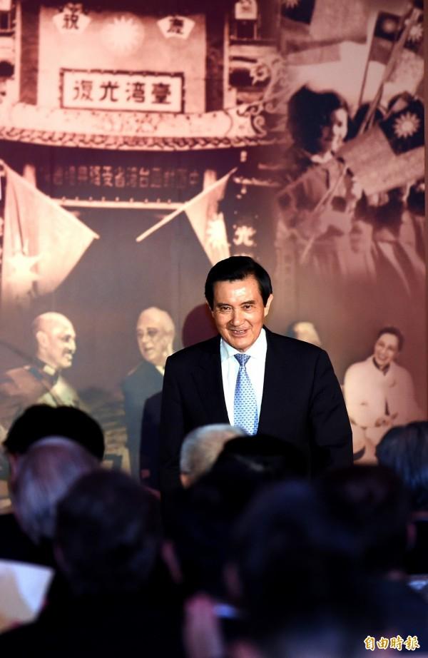 針對國民黨前主席連戰表示對日抗戰成功為國共合作的說法,總統馬英九今僅微笑以對、並未給予回應。(記者朱沛雄攝)